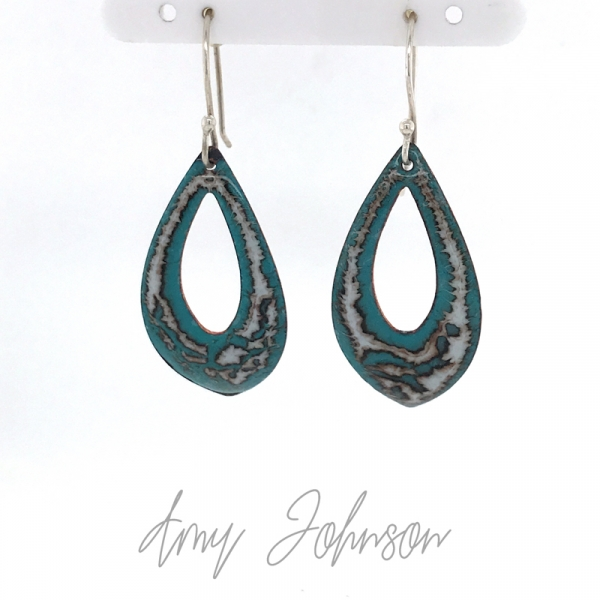 Teal with Gray Pointed Hoops