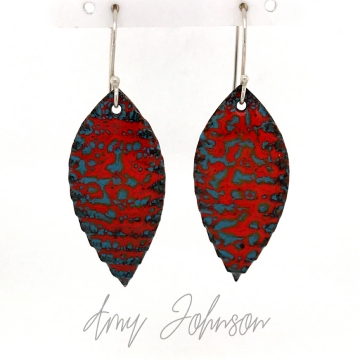 Pleated Pointed oval Earrings